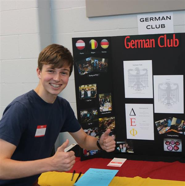 Promoting German Club at the OHS Club Fair